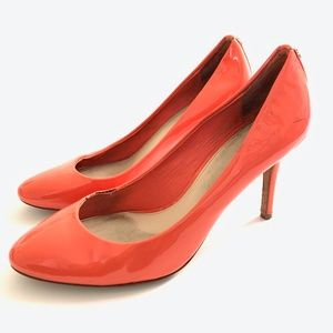 COACH NALA PEACH CORAL PATENT LEATHER PUMPS 7.5